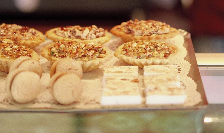Mondo Nougat dessert tray